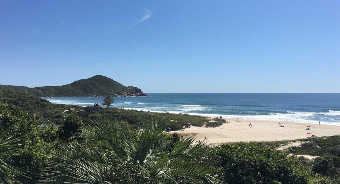 Onde fica a Praia do Rosa? E o que fazer!